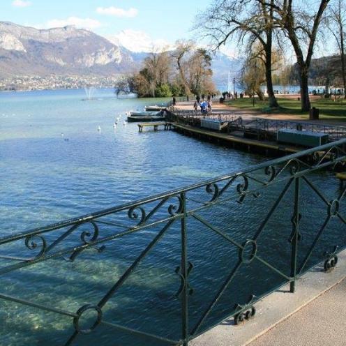 Una promenade sul lago