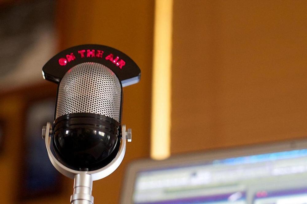 alla radio